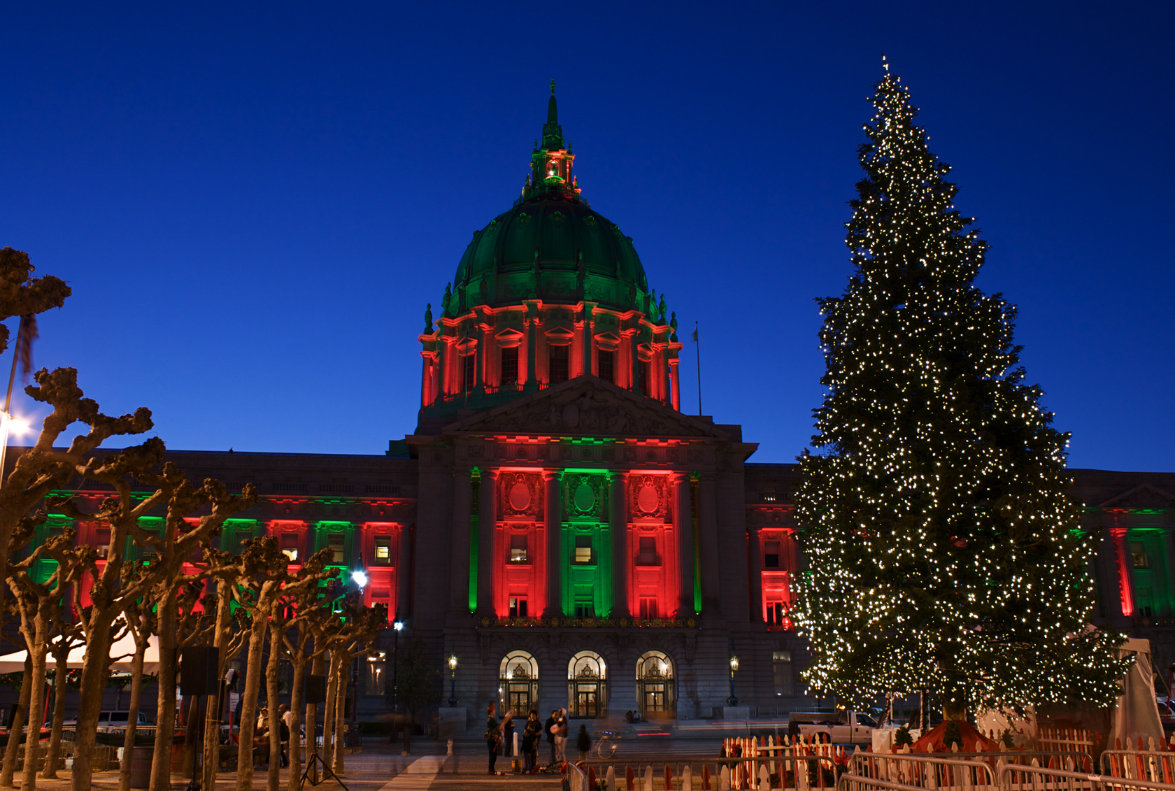Christmas Colors Aglow : Ryan R. Sanderson