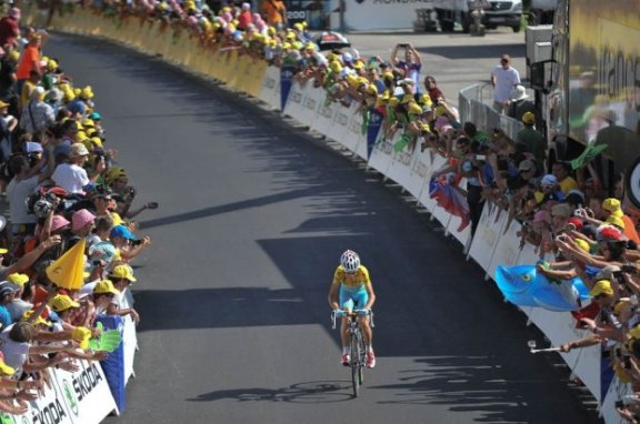 Nibali's solo breakaway finish in Chamrousse strengthens his Tour dominance.