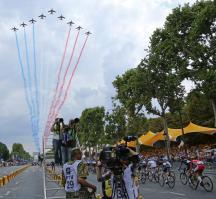 France's Tour Salute