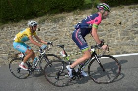 Nibali passes Chris Horner